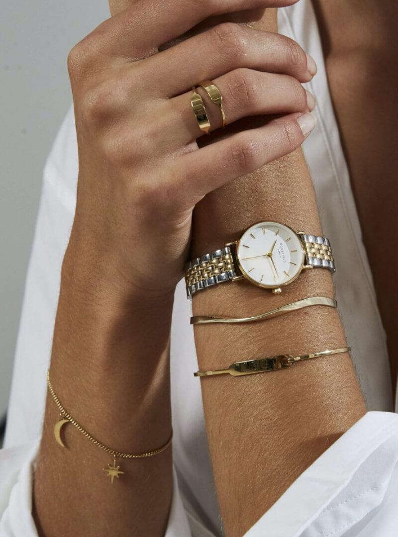 Rosefield jewelry on model | Code